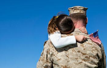 کودکان در عملیات نظامی، تجربه کودک در خانواده نظامی